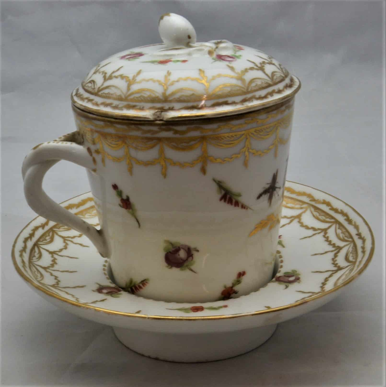 Cabinets of Curiosity 3 F0114 Chocolate cup SH213