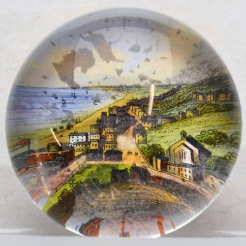 Seaside holidays 17 F2616 Paperweight containing a picture of Sandgate