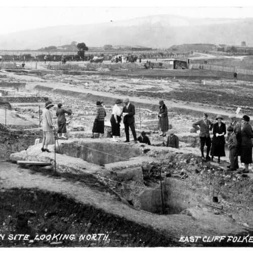 Romans 7 1924 visitors see the Roman bath house