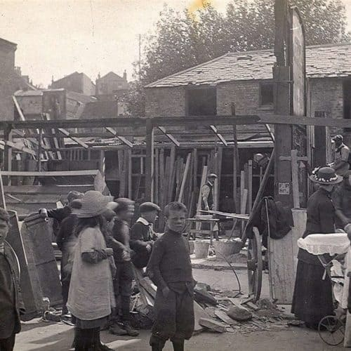 WW1 Resources Tontine Street after the air raid
