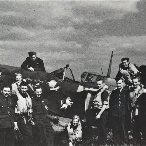 WW2 13 Spitfire pilots and the Spirit of Kent Spitfire