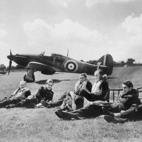 WW2 Resources The_Battle_of_Britain_HU54418 Pilots at RAF Hawkinge
